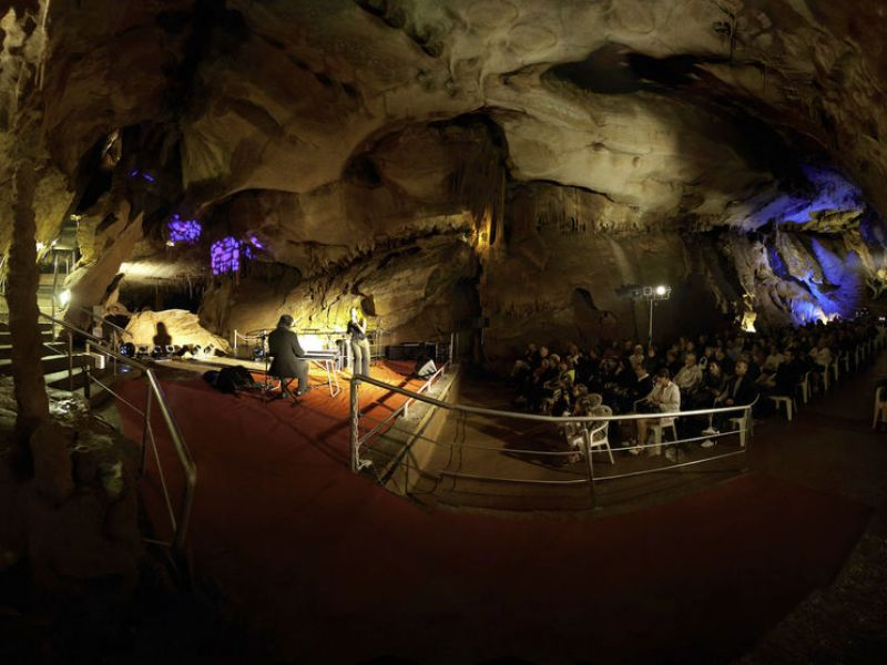 salle-congres-grotte-cocaliere-02